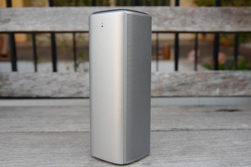 Draadloze mobiele luidspreker om verbinding te maken met een ander apparaat met bluetooth