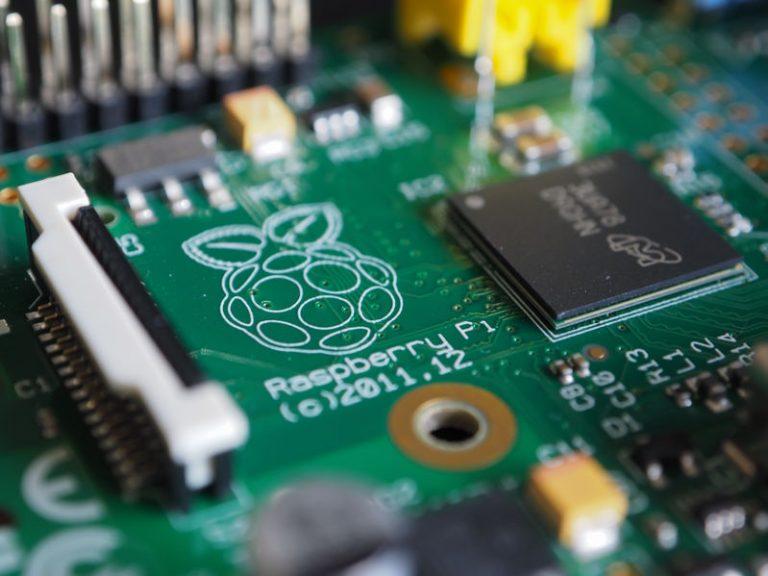raspberry pi programing board
